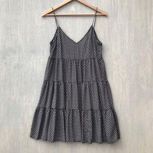 H&M tiered trapeze dress floral 10 black